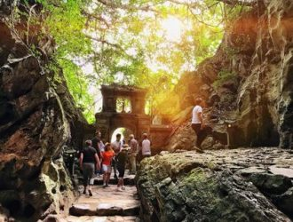 Мраморные горы и пагода Linh Ung Pagoda Half-Day Tour
